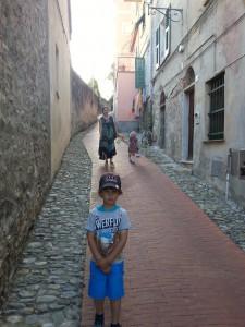 Finalborgo 225x300 Приключения Роси и Миры в Италии   фотоотчет